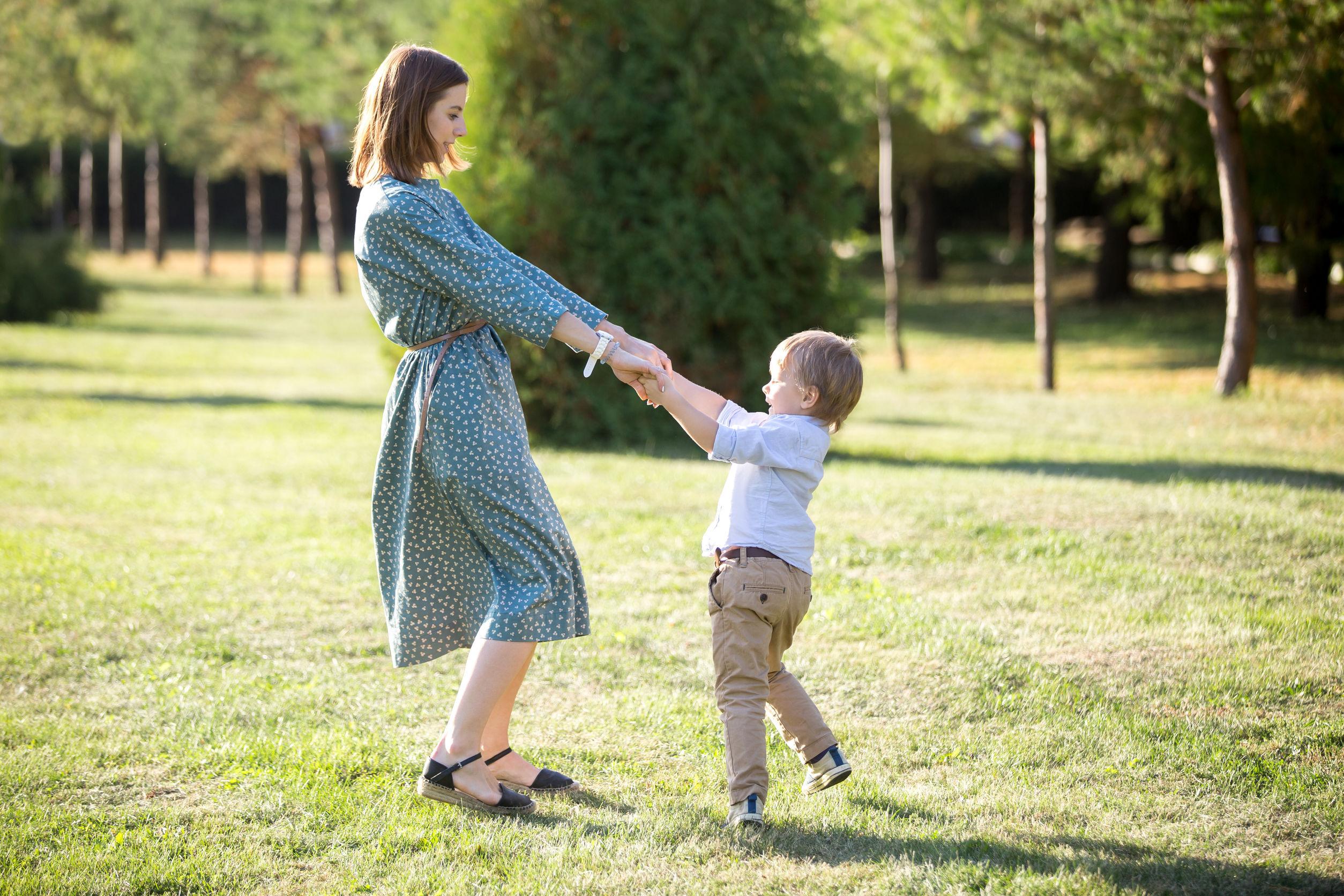 Intalnire pentru mama singura