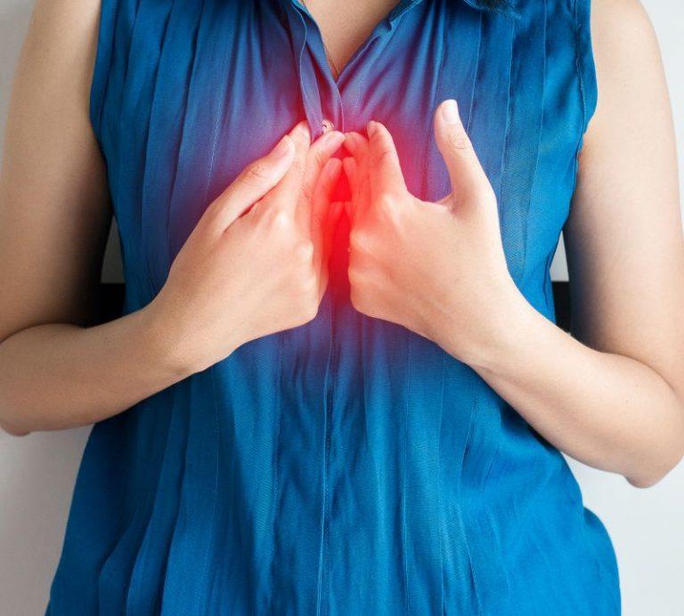 Arsuri în piept şi respiraţie grea? Grijă mare, pot ascunde afecţiuni grave!
