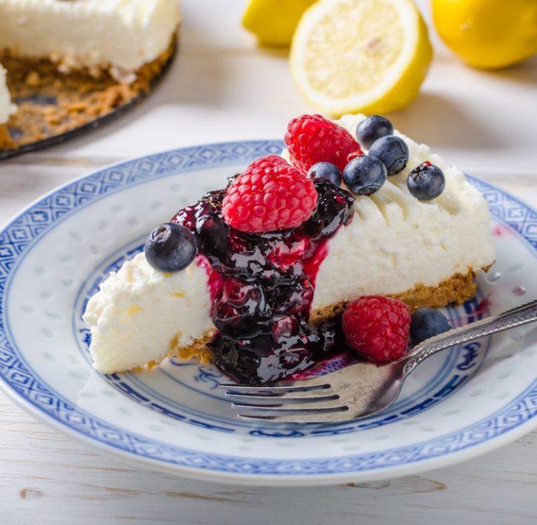 Desert de vară: cheesecake cu zmeură, fără zahăr!