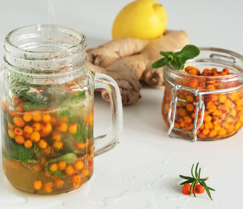 Bautura energizanta din catina, portocale si ghimbir