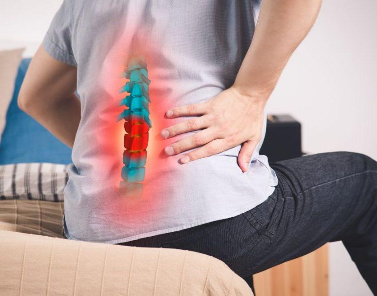Operația de hernie de disc lombară: când e indicată, în ce constă, complicații