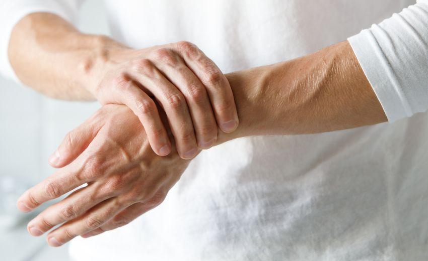 face clic pe o articulație pentru artrită