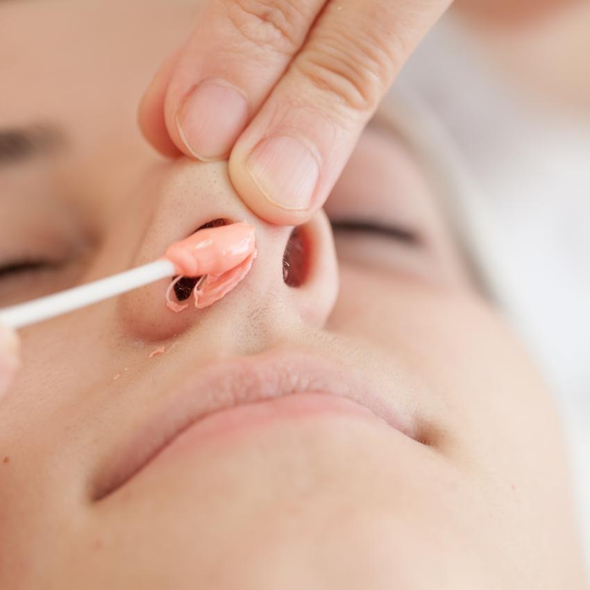 Vrei să-ți epilezi părul din nas? Cât este de sănătos