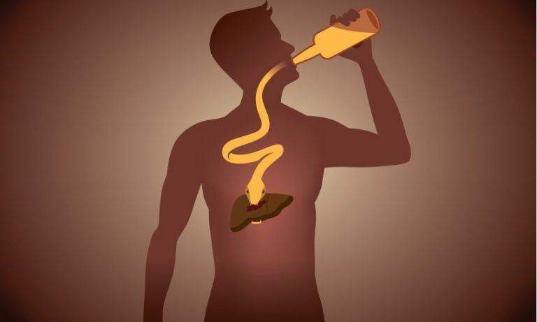 Cea mai periculoasă băutură alcoolică pentru ficat. Un român consumă 85 de litri anual